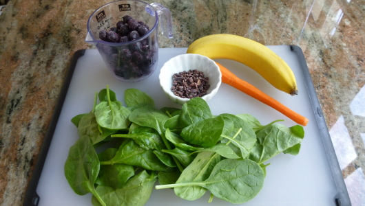 Chocolate Blueberry Green Smoothie ingredients